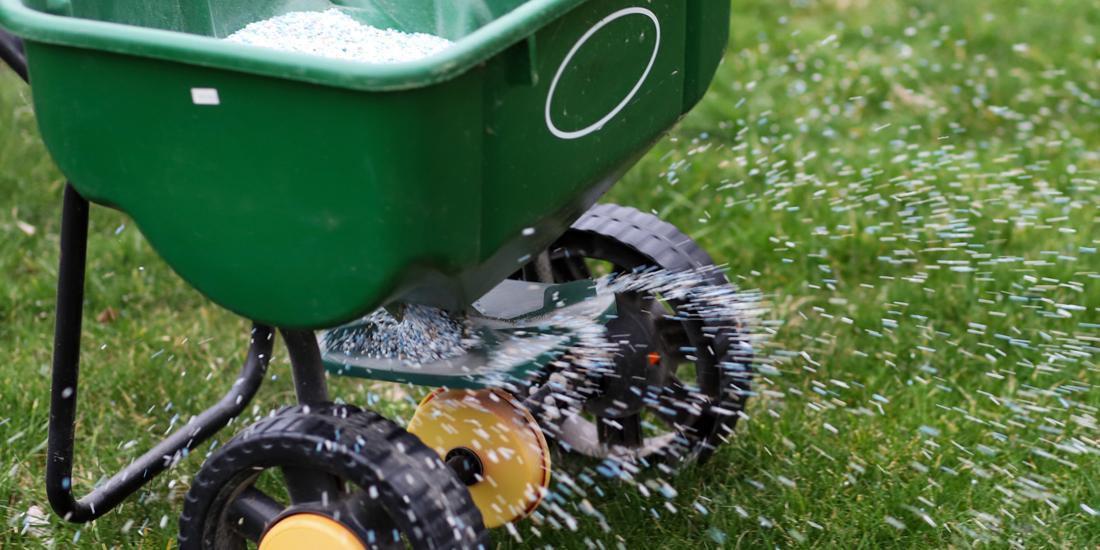 When should I start applying fertiliser in the UK?